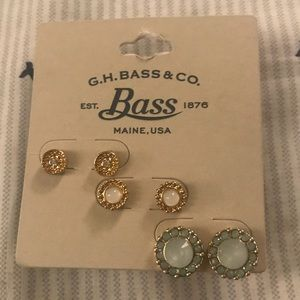 BNWT Bass earring set